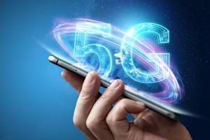 En la imagen, un telefóno con tecnología 5G